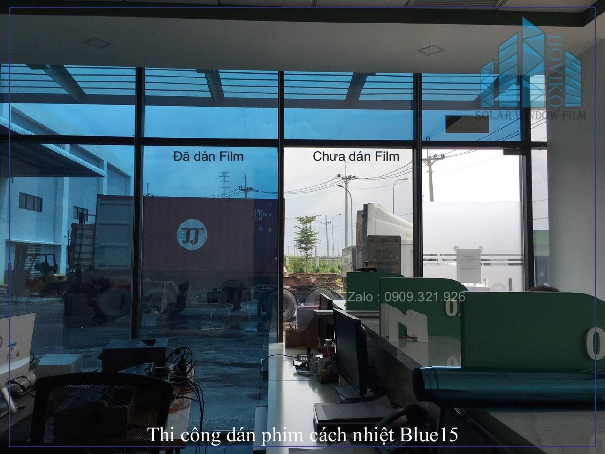 thi công dán phim cách nhiệt blue 15 ở khu công nghiệp Lê Minh Xuân Bình Chánh