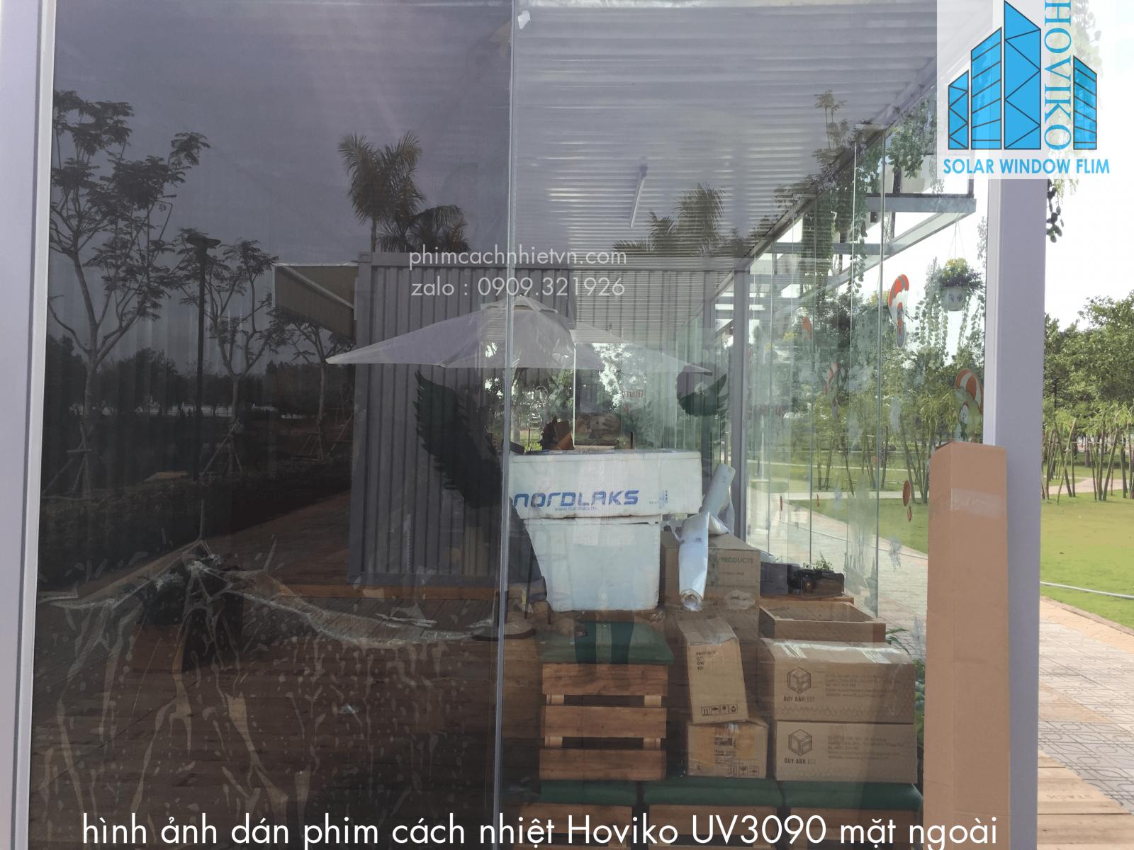 mặt ngoài sau khi dán phim cách nhiệt uv3090 ở quán coffee Nhơn Trạch Đồng Nai